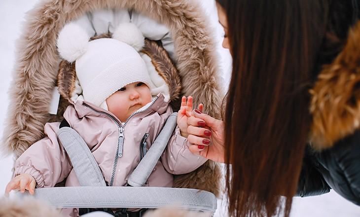 прогулки зимой с малышом